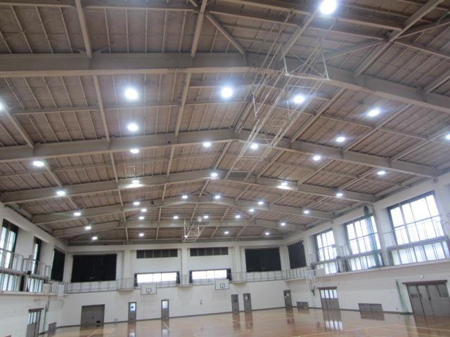 洛南中学校体育館